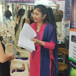 Rekha interacting with Parents of students at Aayojana Coaching Academy